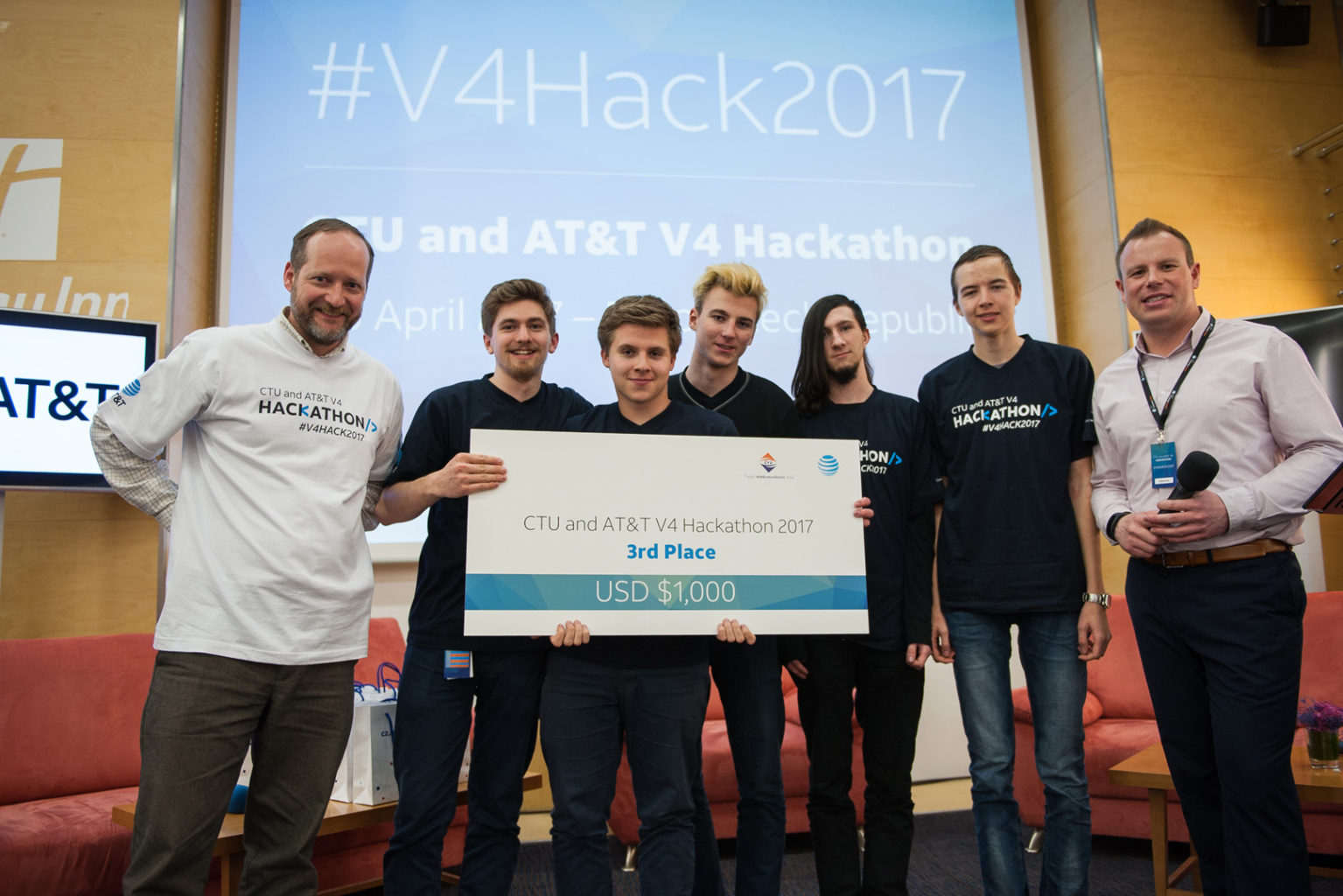 V4 Hackathon 2017 Brno Holiday Inn winners 3rd place (28)