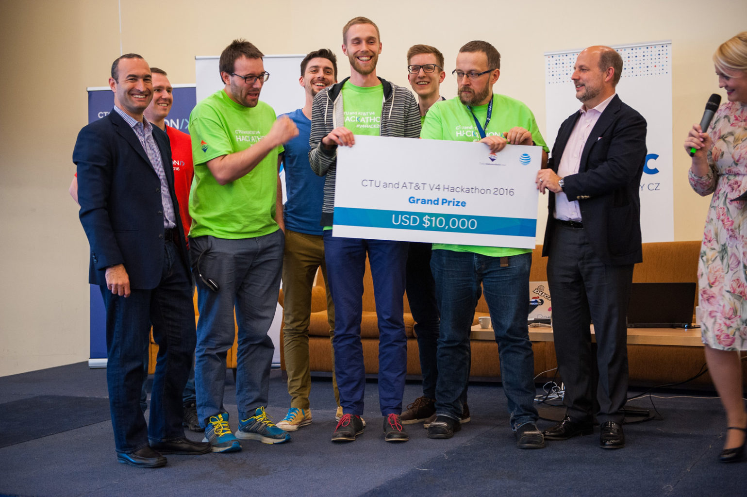 V4 Hackathon Prague 2016 Winners 1st place